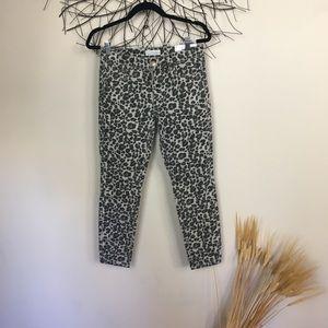 Leopard cheetah print loft . Modern skinny